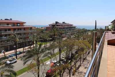 Apartment with sea view in Gava Mar